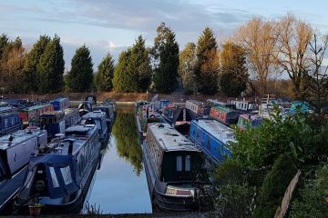 Luxury canal boat hire and narrowboat holidays in the uk leicestershire