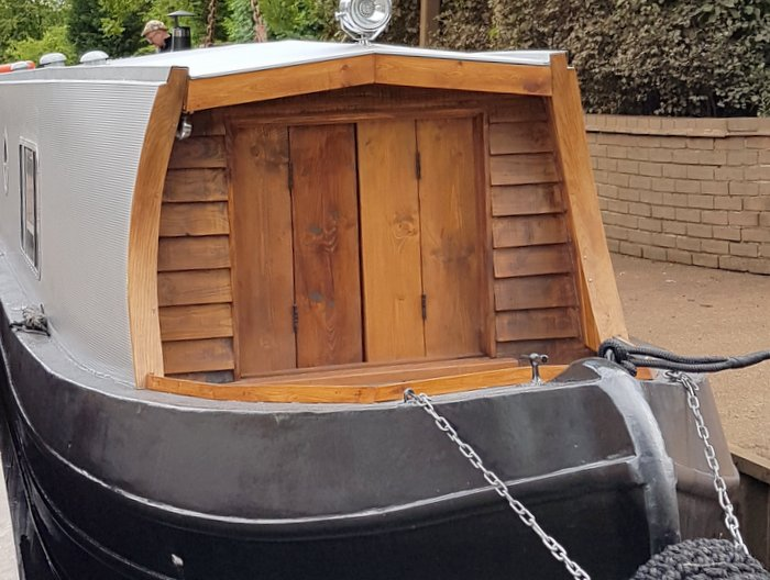 Boutique narrowboat for holiday hire