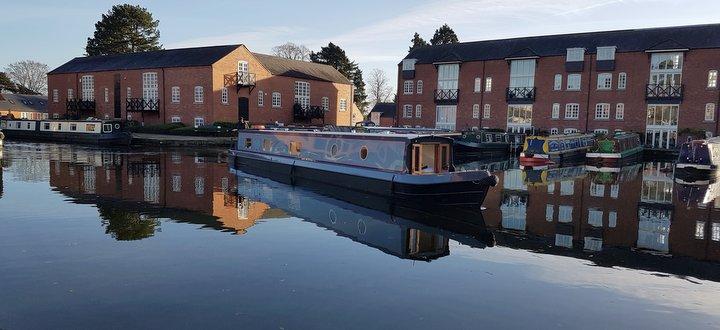 Union Wharf Narrowboats luxury boat hire