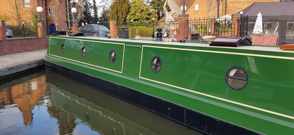 Boutique Narrowboat for hire Kathleen May