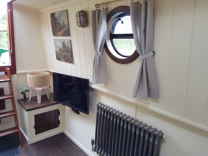 the saloon on the luxury hire narrowboat