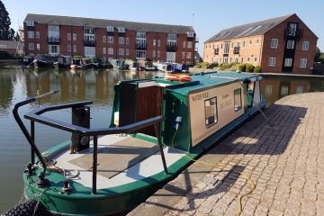 Water Vole electric day boat